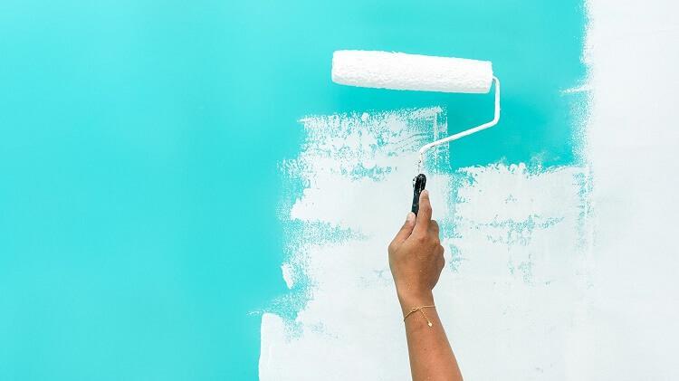 sơn tường bị loang màu
